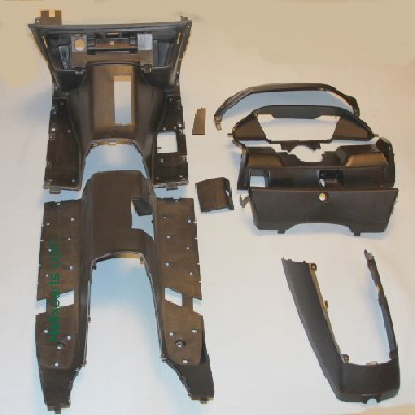 Honda Helix Fussraum und IP Verkleidungssatz